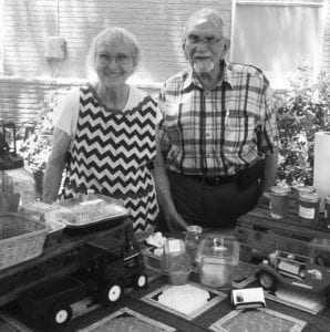 Louise and Bob Duncan baking and shaping right up into their senior years. NOEL WILKERSON HOLMES | PLEASANTON EXPRESS