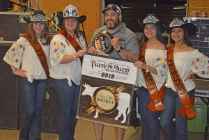 The Brisket Division 1st Place winner was Andy Lugo (center) of Meat Hossler Competition BBQ. He is joined, from left, by Cowboy Homecoming Princess Abby Izaguirre, Queen Elena Ortiz, Princess Gabby Martinez and Princess Valentina Gasca. JOE DAVID CORDOVA | PLEASANTON EXPRESS