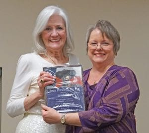 Tannah Tolbirt was presented with the Senior Citizen Woman of the Year award by Ruth Marsh of the Xi Omega Iota Chapter at the Pleasanton Chamber of Commerce Awards Banquet. NOEL WILKERSON HOLMES | PLEASANTON EXPRESS