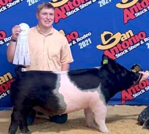 Bryndan Olle, Pleasanton FFA, won third place with his Dark Cross Barrow at the San Antonio Stock Show. COURTESY PHOTO