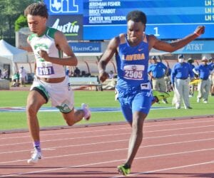 Pleasanton's Ashon Thompson tries to beat Waco La Vega's Jeremiah Fisher to the line during the Class 4A 100-meter dash at the UIL state track meet on May 6. SAM FOWLER | PLEASANTON EXPRESS